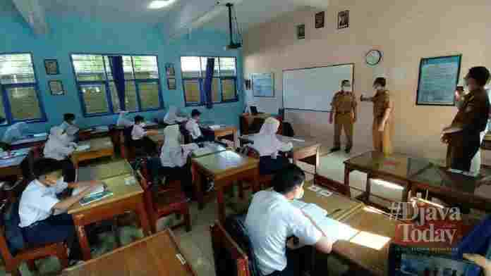 Pelaksanaan belajar di sekolah