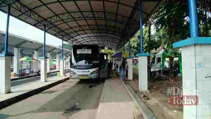 Bus Angkutan Beroperasi