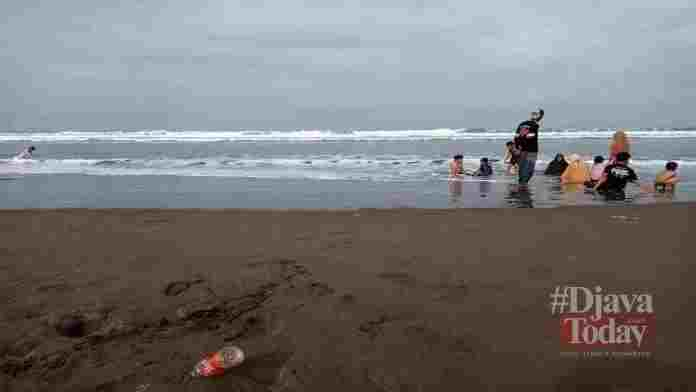 Obyek Wisata pantai Pangandaran