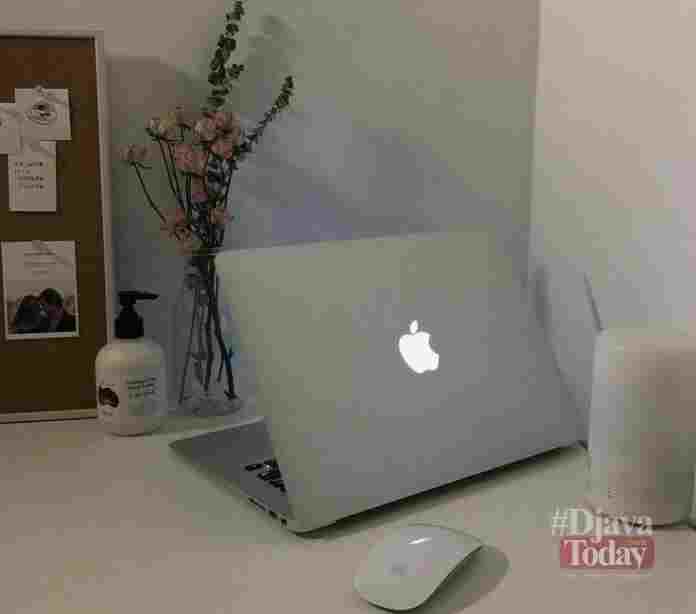 MacBook lebih mahal