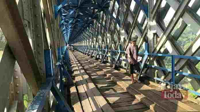 Jembatan cirahong mobil