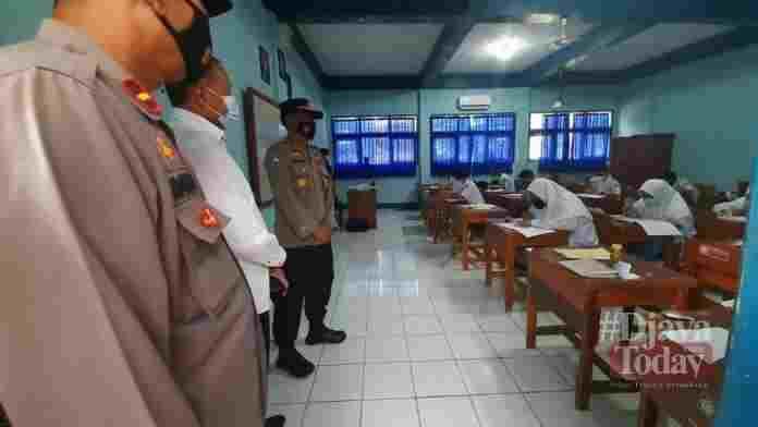 Polisi Monitoring PTM